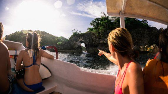 Mojosurf Bali & Beyond - Island Hopper Surf Adventure