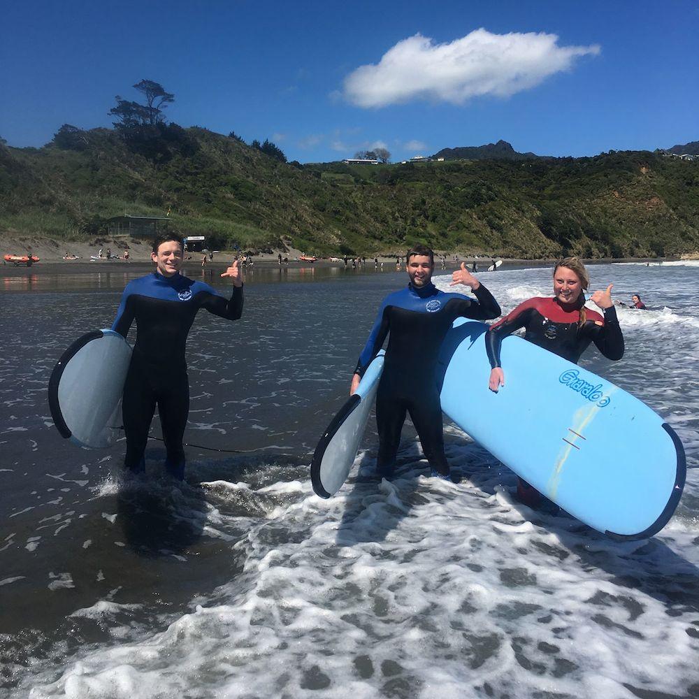 Mojosurf Raglan Surf School
