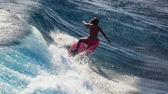 Mojosurf Bali & Beyond - Surfing at Nusa Lembongan