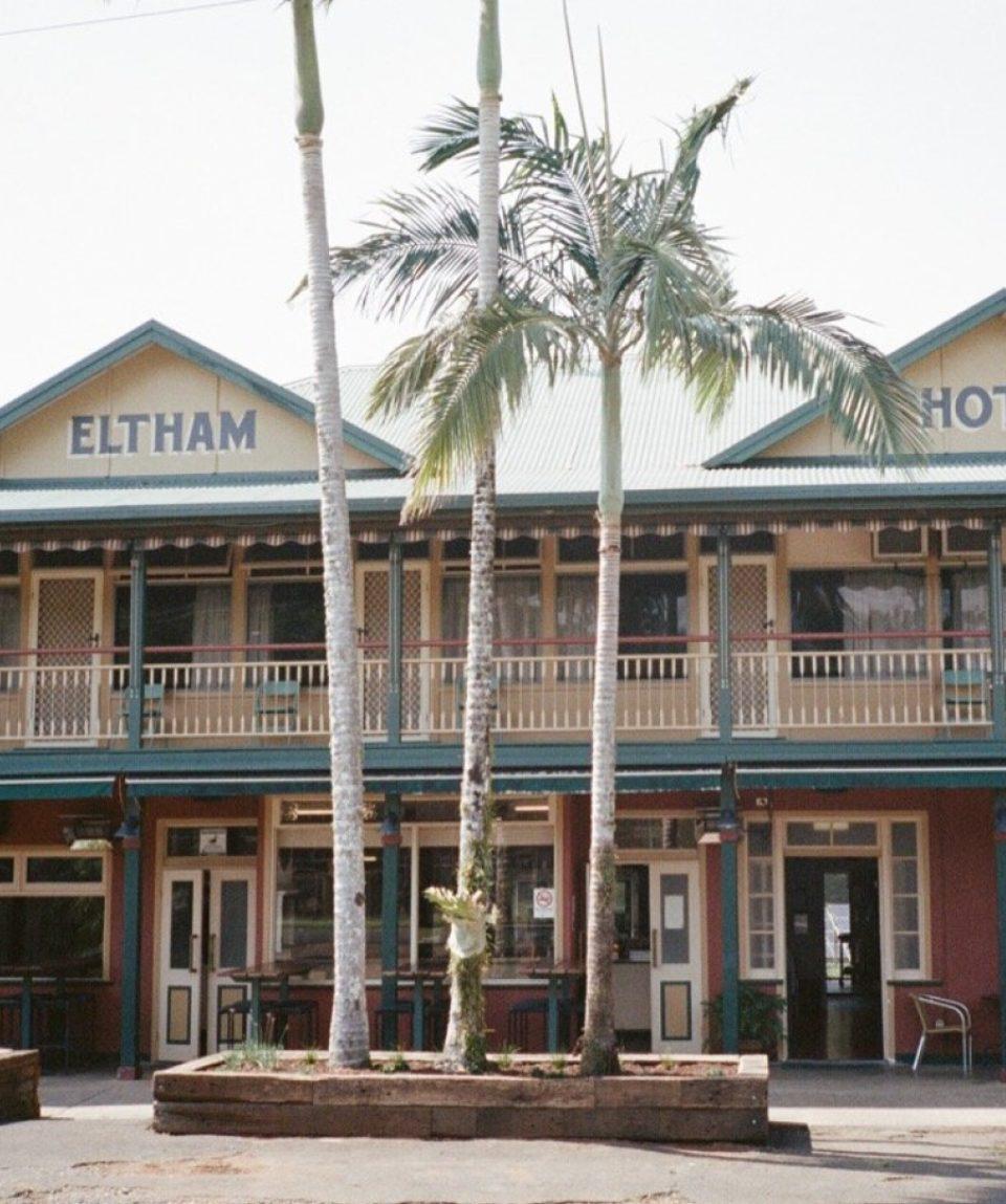 4 Hour Eltham Pub Troopy Tour - Byron Bay